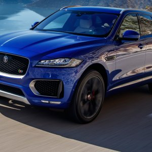 2017-Jaguar-F-Pace-First-Edition.jpg