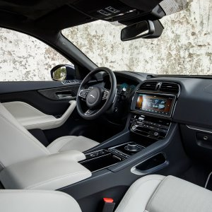 2017-Jaguar-F-Pace-First-Edition-interior-from-passenger-seat.jpg