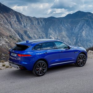 2017-Jaguar-F-Pace-First-Edition-side-rear-view.jpg