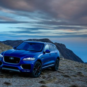 2017-Jaguar-F-Pace-First-Edition-with-sky.jpg