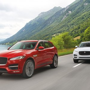 2017-Jaguar-F-Pace-front-three-quarter-in-motion-092.jpg