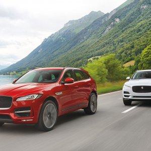 2017-Jaguar-F-Pace-front-three-quarter-in-motion-092.jpg